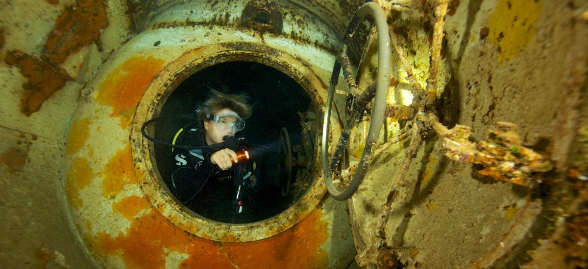Exposure Marine - SUB M3 - lampe de plongée sous-marine - plongeuse sous-marine